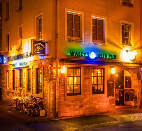 Wally's Irish Pub