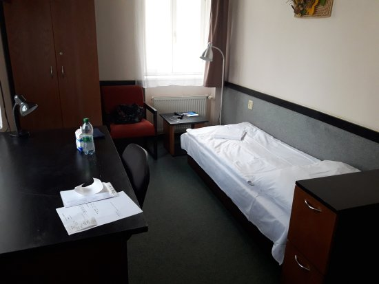 Masarykova Kolej Hotel : 20170414_184306_large.jpg