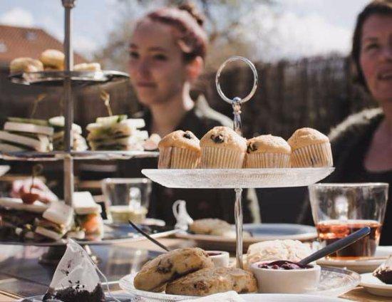 Nes, Нидерланды: Heerlijke high tea