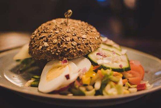 Nes, Hollanda: Voor lunch bent u ook bij ons welkom!