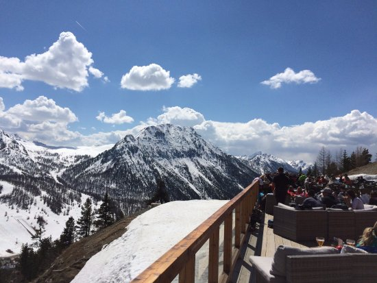 Chalet l'Ours Blanc : View from mountain side restaurant