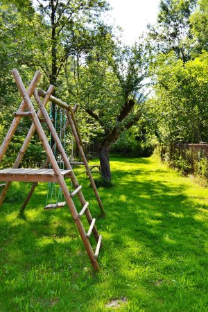 Biert, Francia: play area