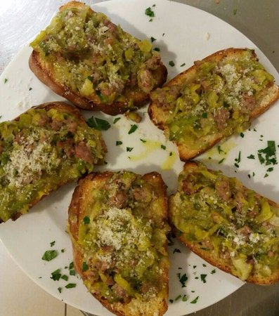 Lamporecchio, Italie : Antipasto di crostoni