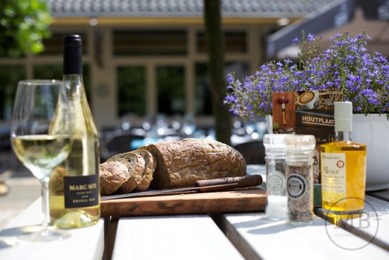 Rheden, เนเธอร์แลนด์: Oerbrood, olie, wijn!