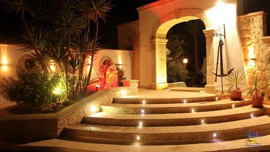 Ristorante Costa House: Ingresso Resort
