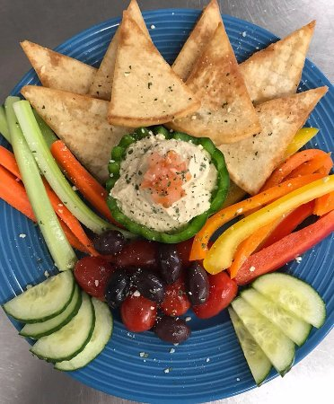 Swanzey, Нью-Гэмпшир: Hummus plate...healthy and yummy with local favorite - Jack's crackers too!