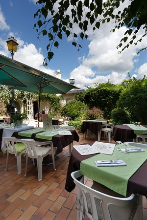 Contres, France: TERRASSE