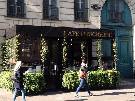 caf pouchkine picture of boulevard st germain paris tripadvisor. Black Bedroom Furniture Sets. Home Design Ideas