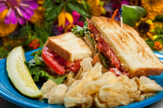 Charleston, Virginia Occidental: BLT is a go to all day every day