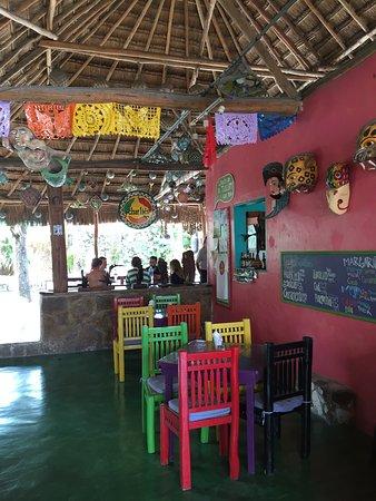 Charlie's Restaurant & Bar : photo1.jpg