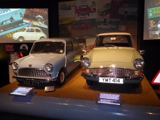 Beaulieu, UK: Good old Mini and 105 E