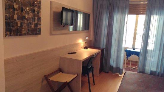 Hotel meuble villa patrizia grado italien omd men for Hotel serena meuble grado