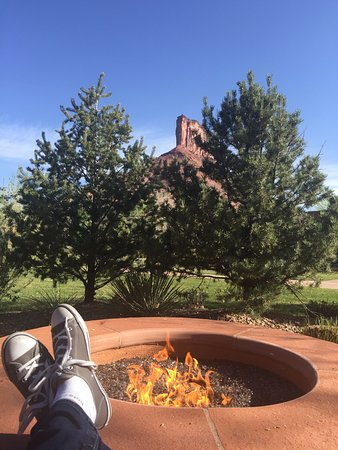 Gateway, CO: Loved our private fire pit, outdoor shower. Private, yet great views.