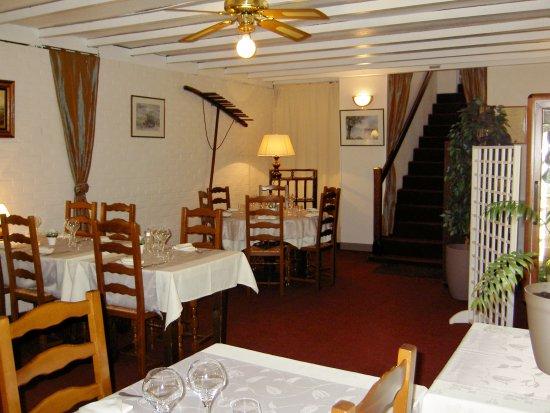 le chateau d epluches saint ouen l 39 aumone restaurant avis num ro de t l phone photos. Black Bedroom Furniture Sets. Home Design Ideas