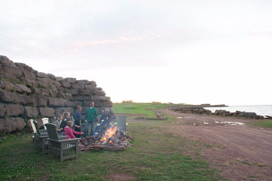 Wallace, Canada: Fire pit