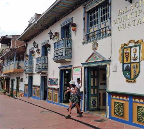 Medellin City Services: Guatapé, City Hall
