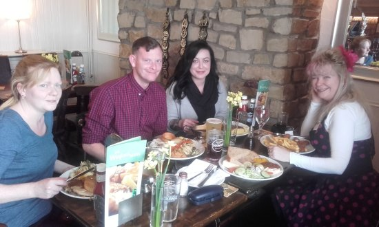 Dundry, UK: Family lunch - delicious!