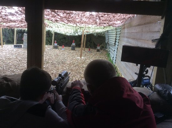 Much Wenlock, UK: Sniper shooting