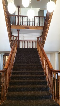 "Largs Bay, Australien: ""Grand Staircase"" (no elevator in hotel section)"