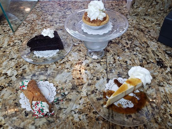 Inverness, FL: Early Bird Desserts available EVERYDAY! Cannoli is an upgrade.