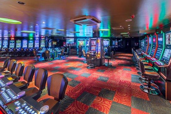 Казино холл легкий способ заработка в казино лохотрон