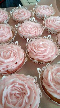 Leominster, MA: Wedding cupcakes