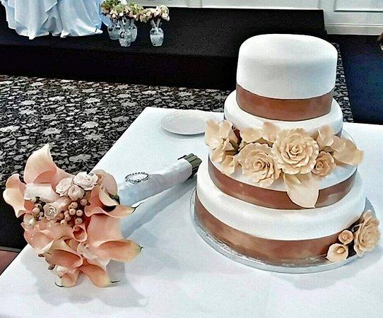 Leominster, MA: 4 tiered fondant cake