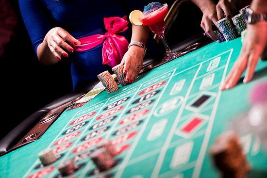 Диамант казино играть как играть в казино вулкан без регистрации