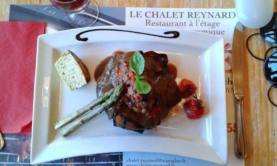 Bedoin, Frankreich: Le feuilleté d'agneau aux aubergines confites etc .....