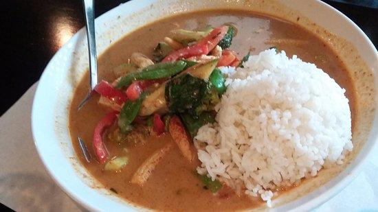 Sak's Thai Cuisine: Tofu penang...