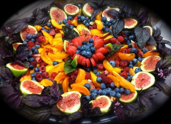 Murphys, Califórnia: Fruit mandala platter