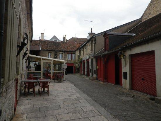 Hotel Du Sauvage : Cour de l'hôtel