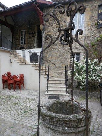 Hotel Du Sauvage : dans la cour