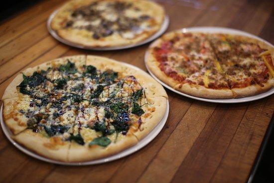 Lakewood, OH: Neopolitan Style Pizzas