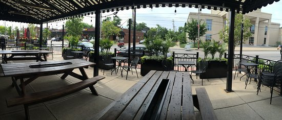 Lakewood, OH: Patio!