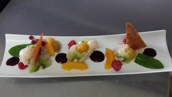 Mauvezin, Francia: Doux dessert de suchi de fruits