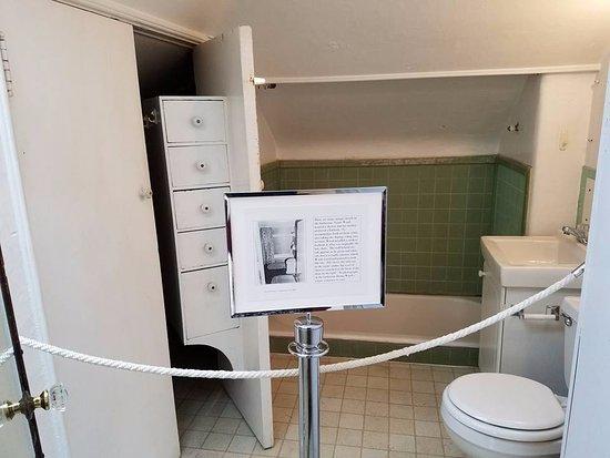 Cedar Rapids, IA: Grant Wood studio bathroom-- the tub was sunken into the old hay chute