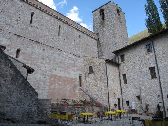 Sant'Anatolia di Narco, Italy: fuori dal tempo ...