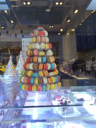 Cerritos, Kaliforniya: Paris Baguette Macaroons Tower