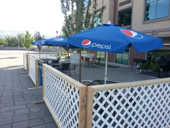 Wenatchee, WA: On good days injoy the outside seating!