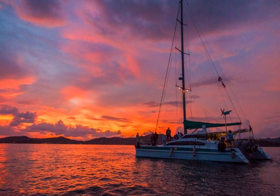 Crystal Yacht: The sunset with the yacht