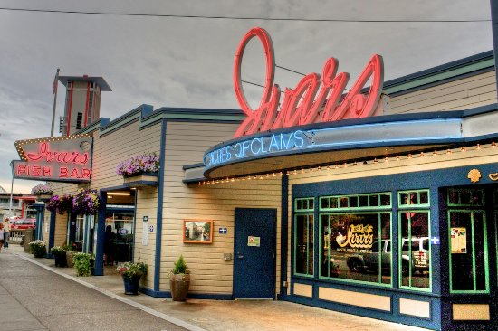 Ivar S Acres Of Clams Is Conveniently Located On The Seattle Waterfront