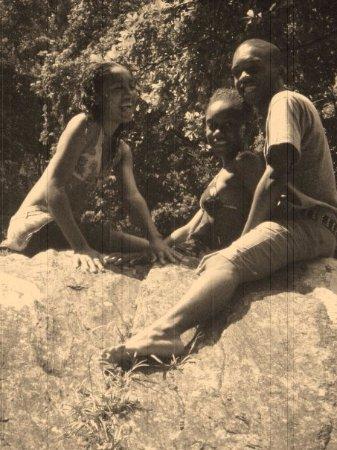 Maracas Falls : The Family Portrait on the Rocks