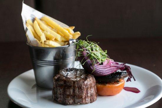 Bijou Restaurant: 8oz Black Angus Fillet Steak