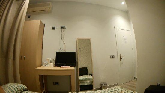 Hostal Atocha Almudena Martin: Private room