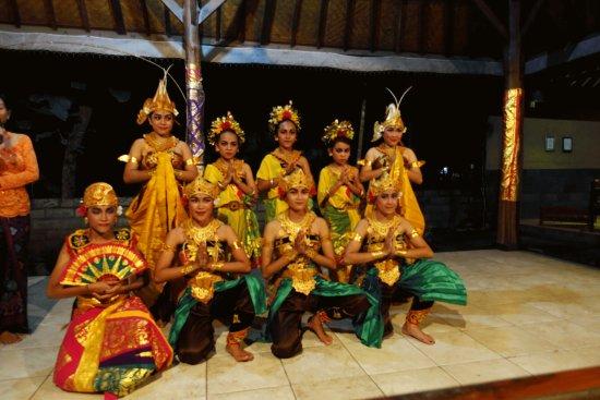 Kerobokan, Indonesia: un spectacle inoubliable de danses balinaises A ne manquer sous aucun pretexte