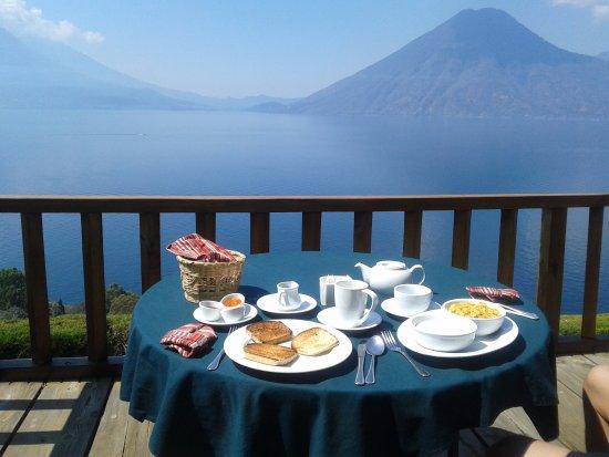 Lomas de Tzununa: Desayuno