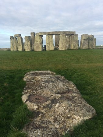 Yellow Moon Tours: Full view including fallen rocks
