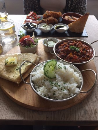 Eye, UK: Lunch of chili con carne and tapas plate
