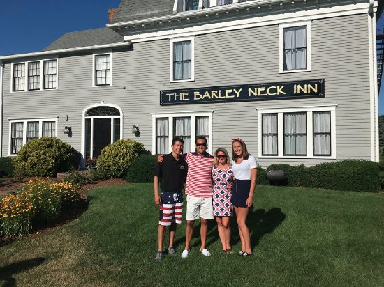 Barley Neck Inn : Located in the heart of Orleans, MA
